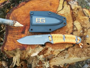 bear grylls paracord knife neckknife messer